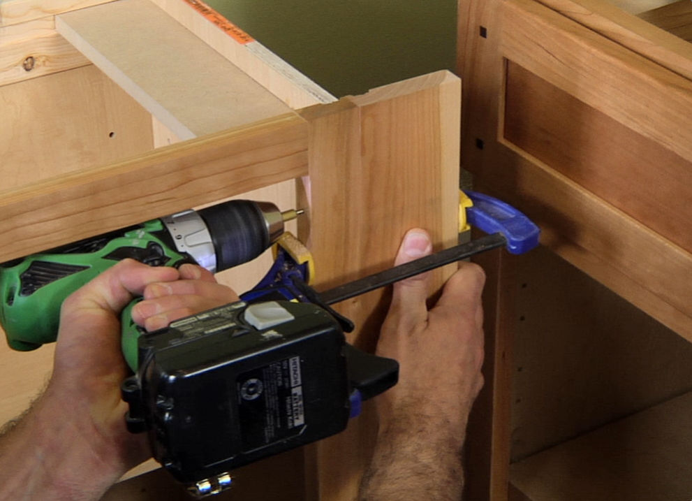 How To Install Lower Kitchen Cabinets how to install kitchen base cabinets - buildipedia