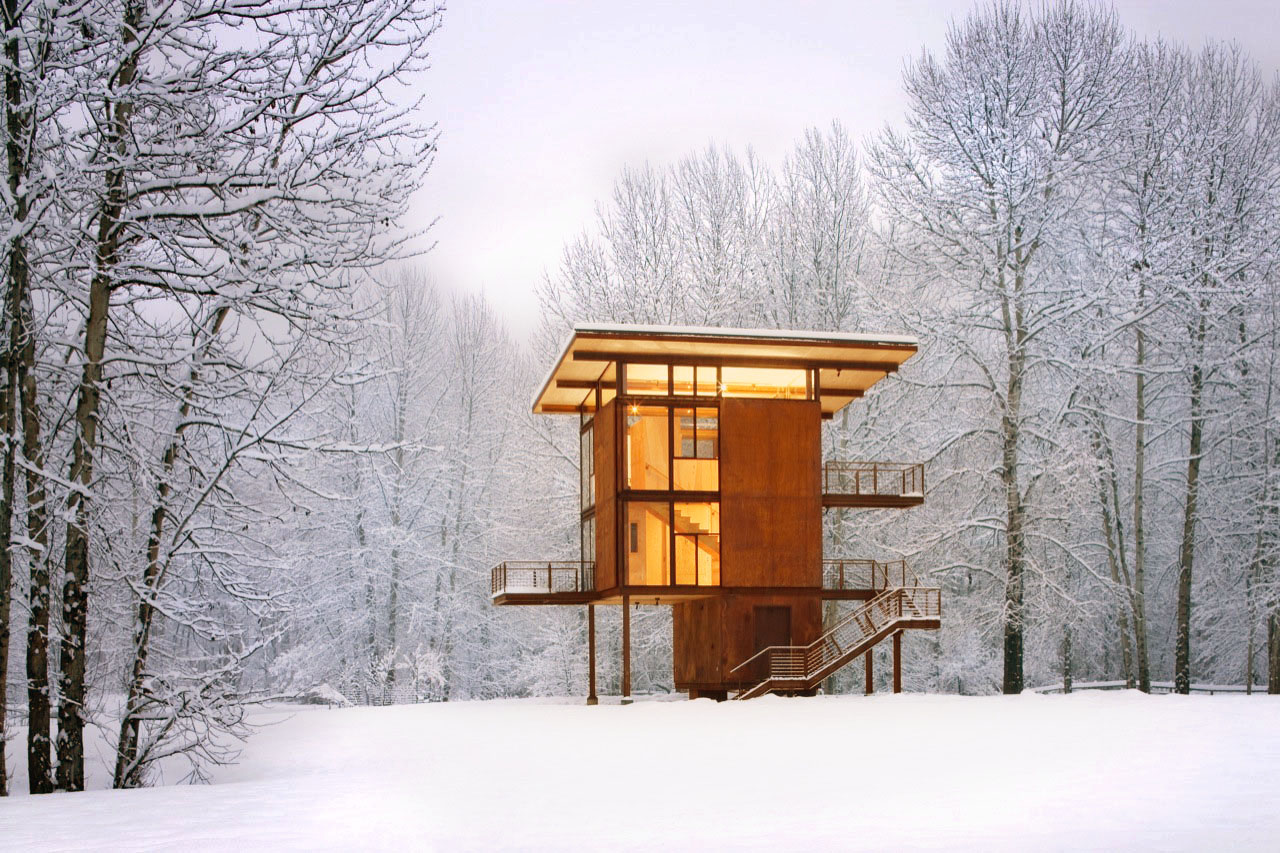 Delta Shelter in the winter by Olson Kundig Architects