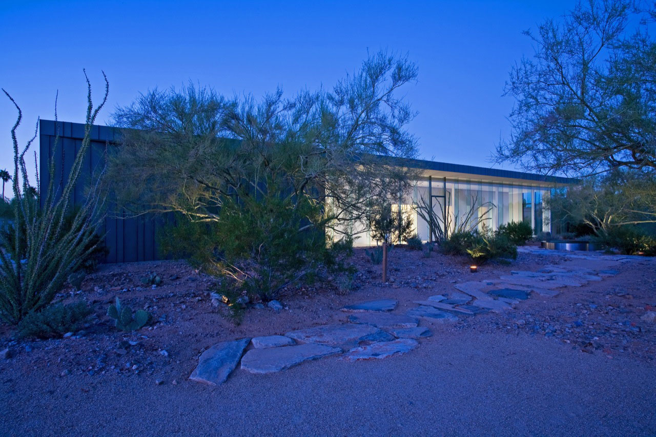 Desert House at night by Circle West Architects