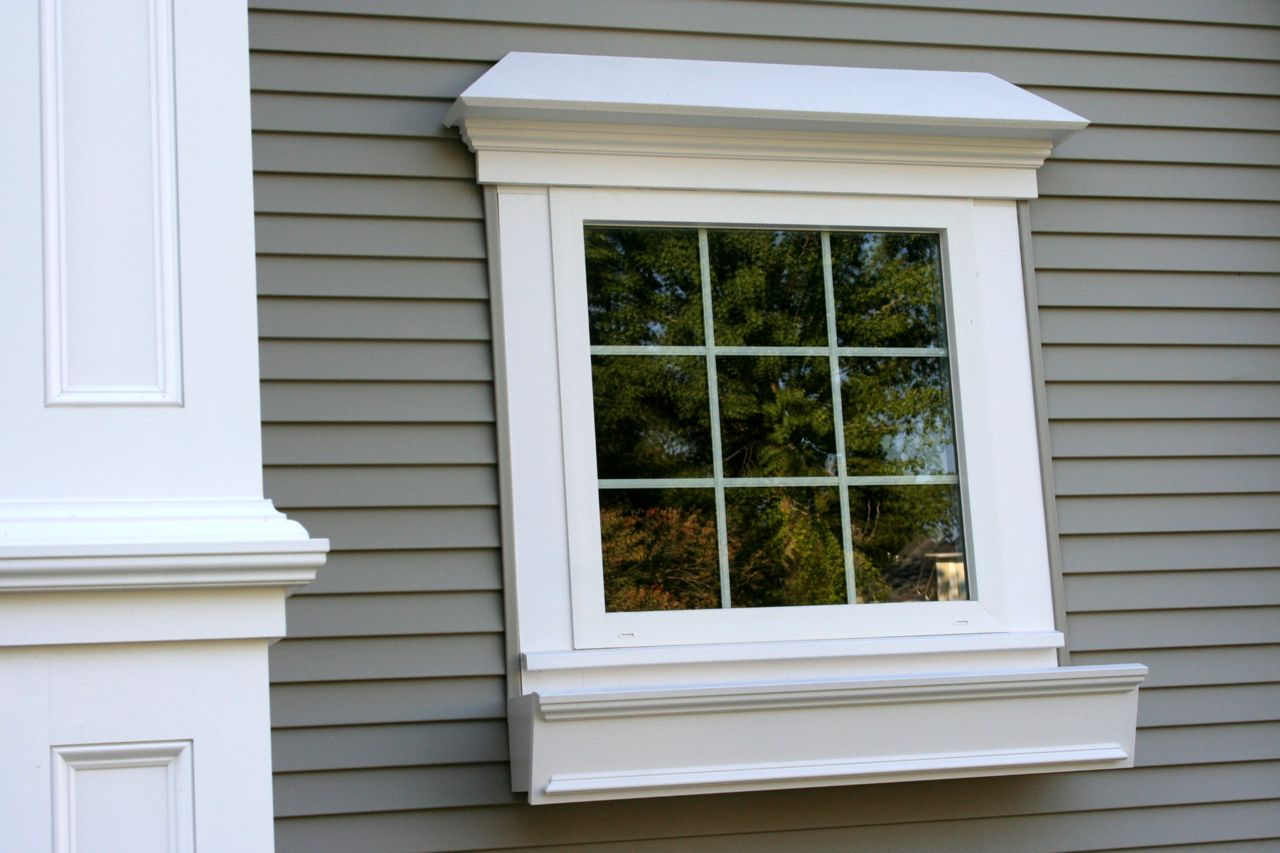 Cellular pvc trim the durable aesthetic option buildipedia for Decorative window trim exterior