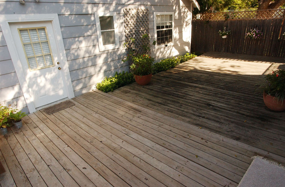 wood deck after cleaning