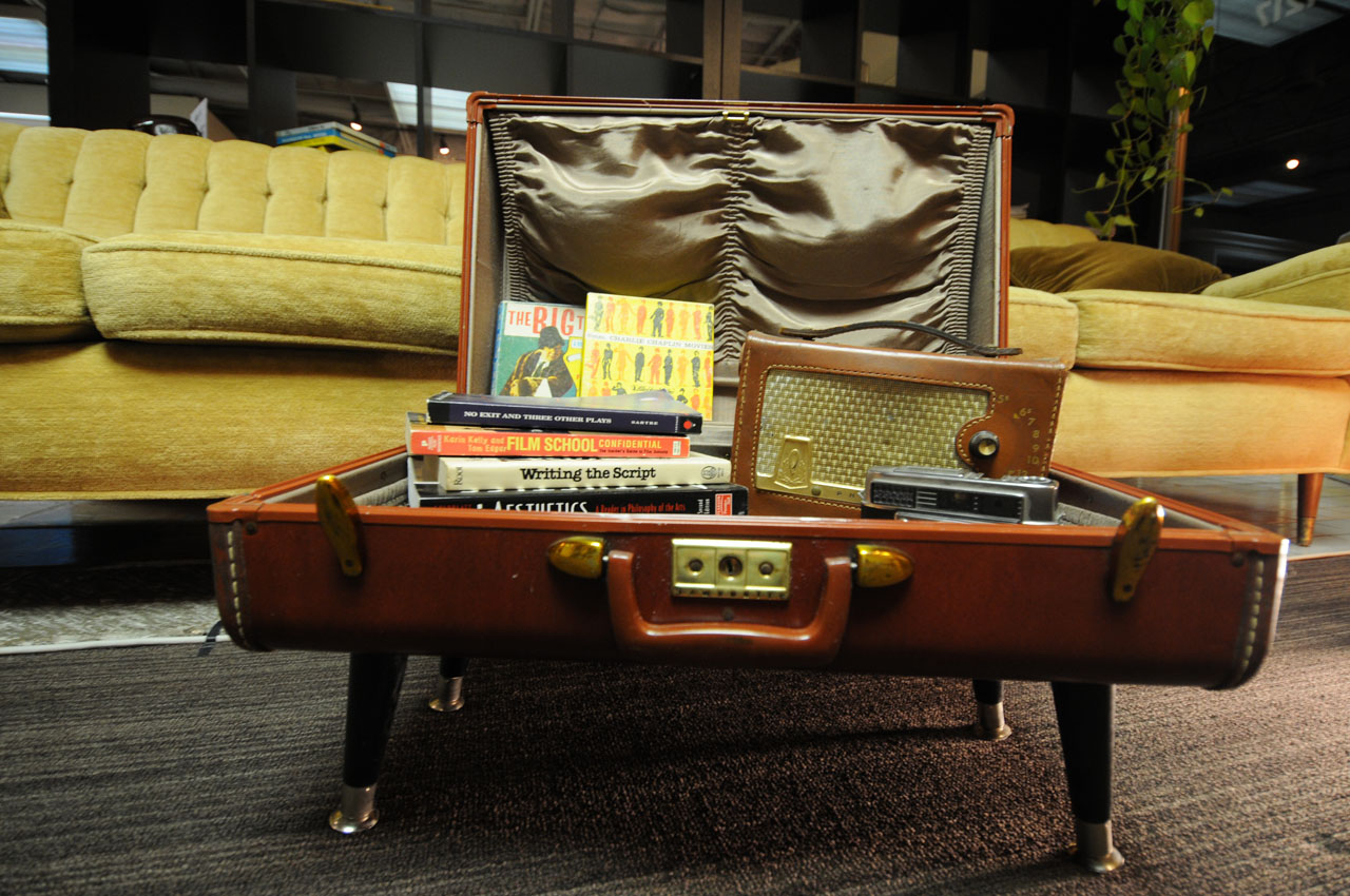 Vintage Suitcase Side Table - Buildipedia
