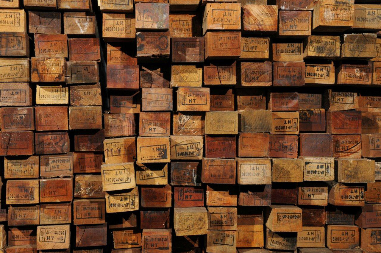 Understanding reclaimed wood how the salvaging process Reclaimed woods
