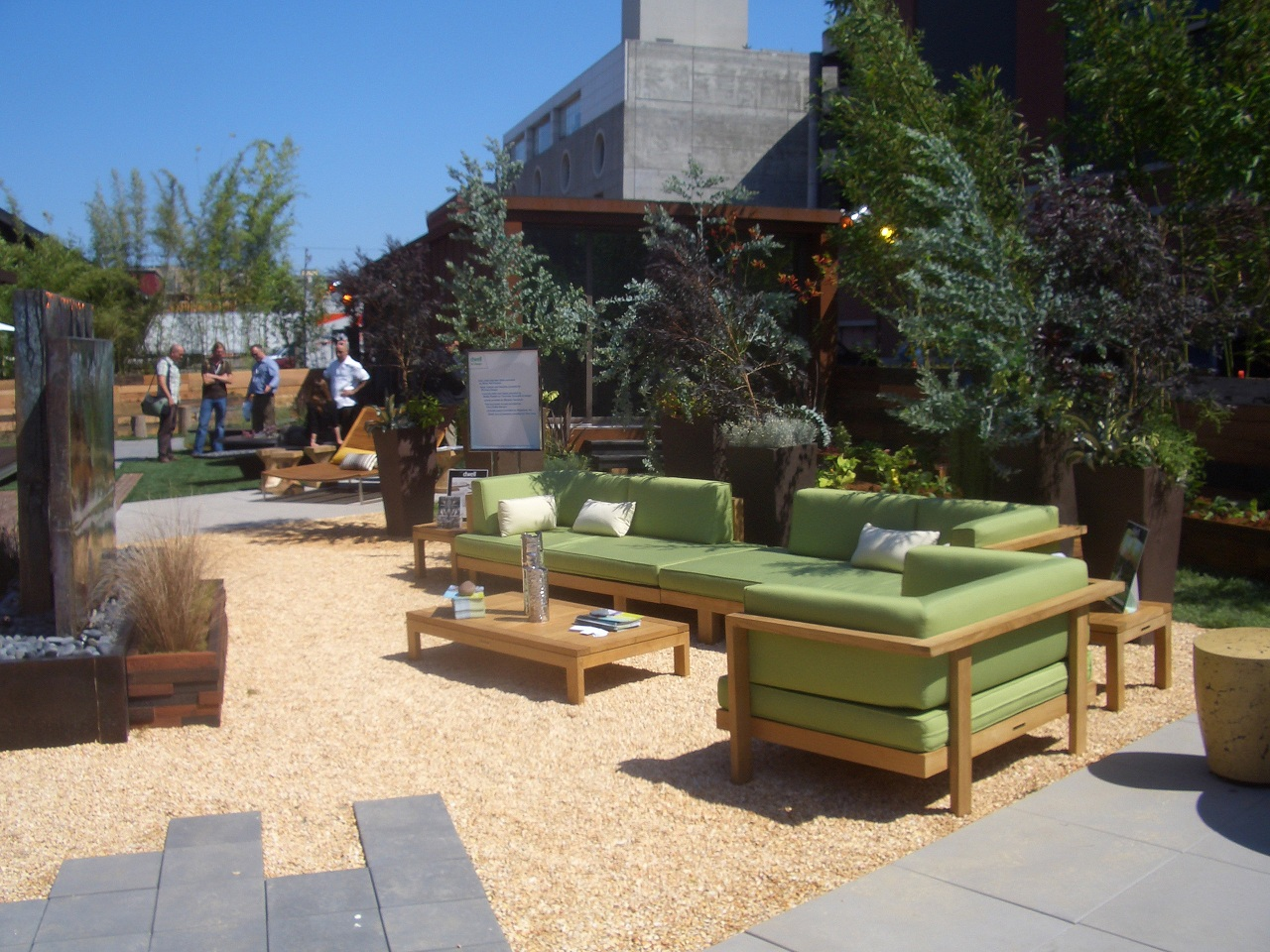 Living Green In Outdoor Spaces Buildipedia