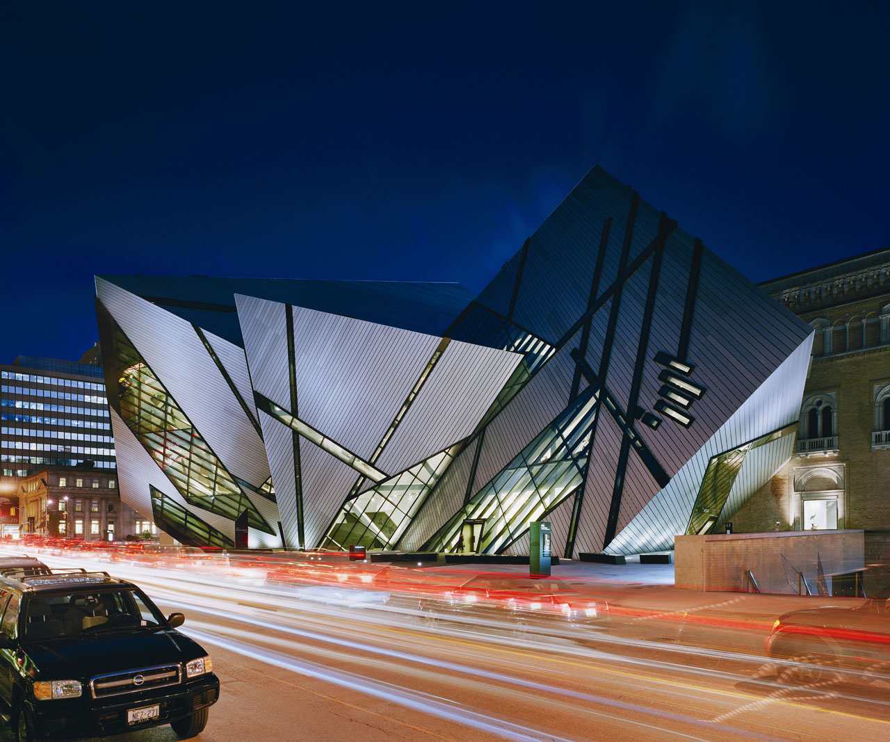 Royal Ontario Museum Lights Up Bloor Street