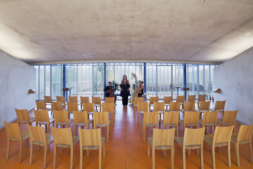 renzo piano�s ronchamp expansion competing with le
