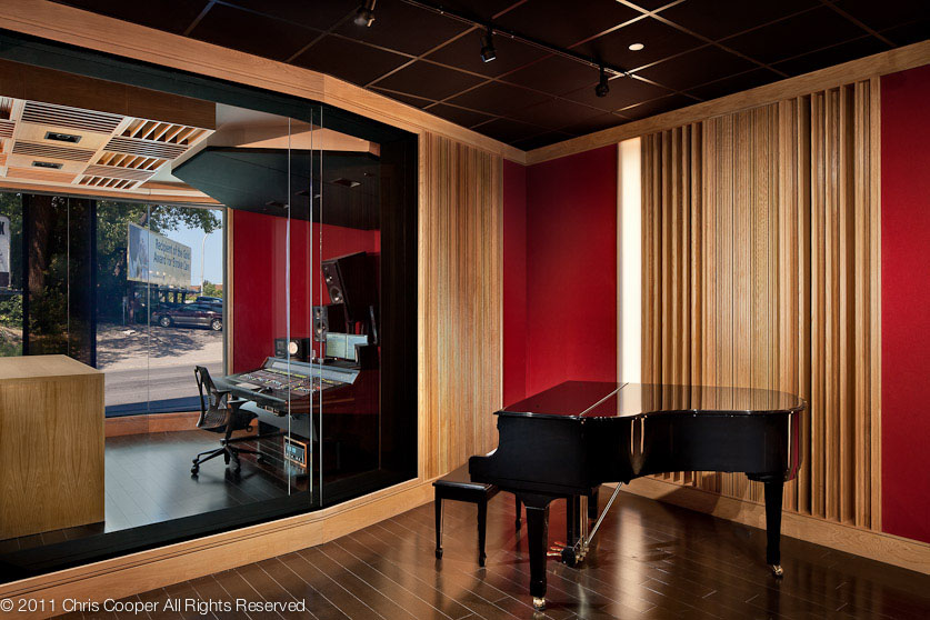 Strange Island In The Stream A Recording Studio Bracketed By Traffic Largest Home Design Picture Inspirations Pitcheantrous