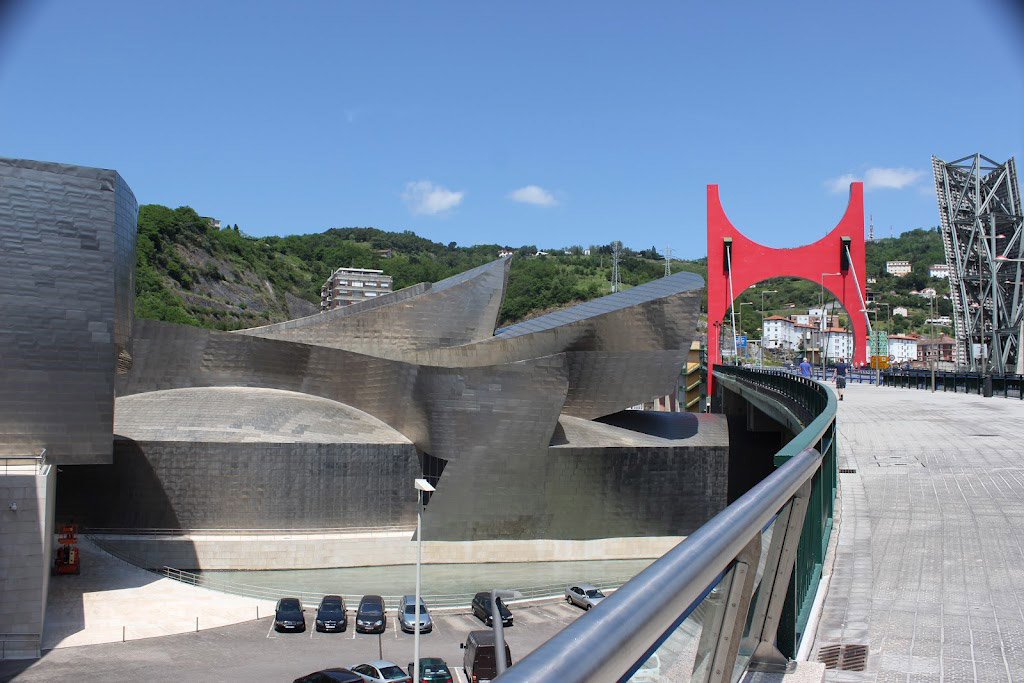 Guggenheim Museum Bilboa with La Salve Bridge