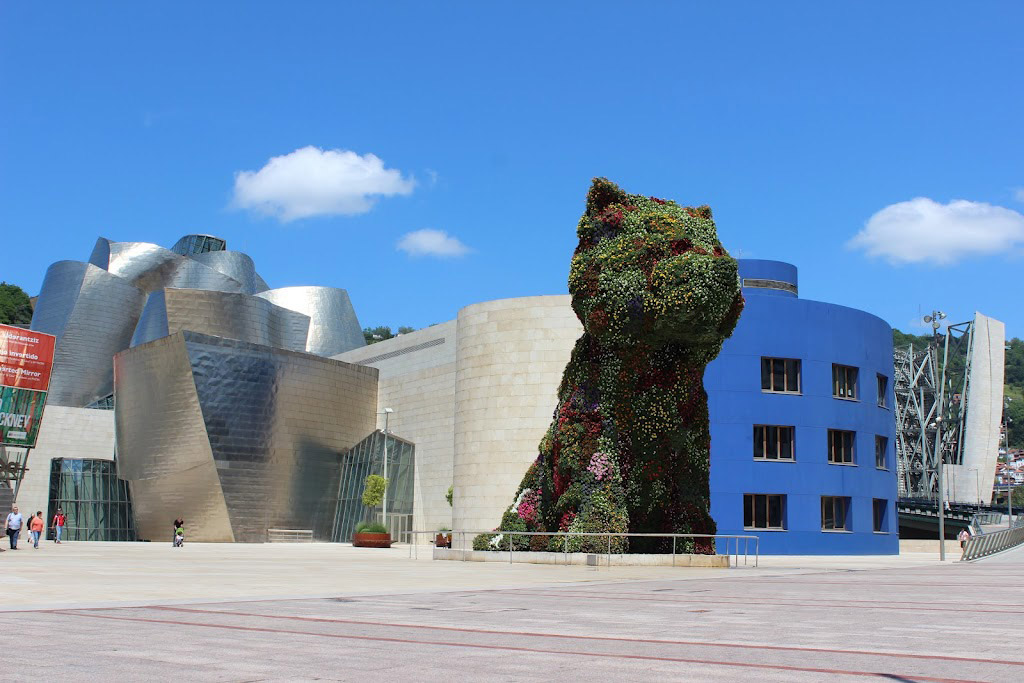 Jeff Koons's sculpture Puppy at the Guggenheim Museum Bilbao