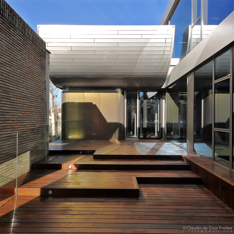 Exterior of Vivero de Empresas Moratalaz, in Madrid | Image courtesy of a3arquitectos