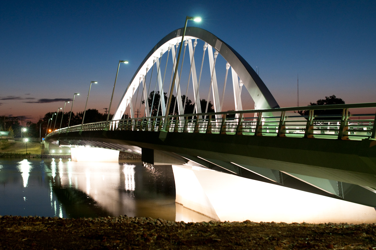 Main Street Bridge Adds Aesthetic Appeal To Columbus Skyline on arch art deco design
