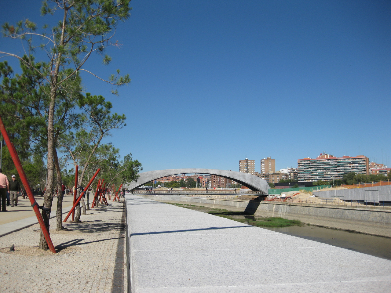 Madrid's Puentes Cascaras by West 8