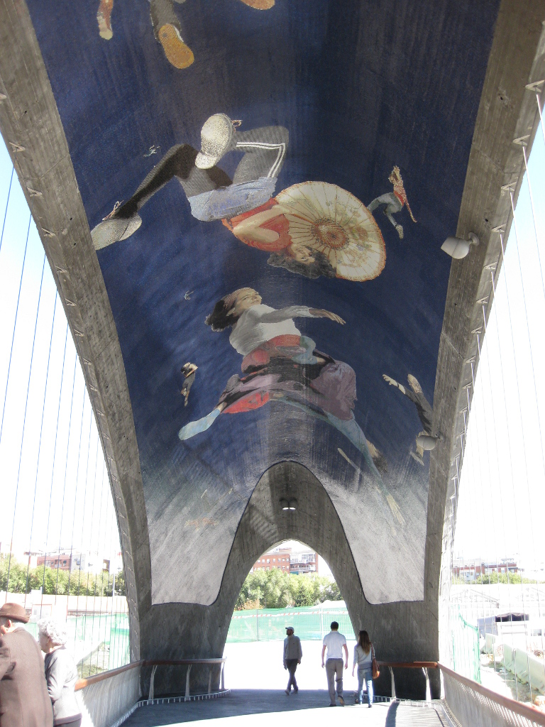 Murals of Madrid's Puentes Cascaras by West 8
