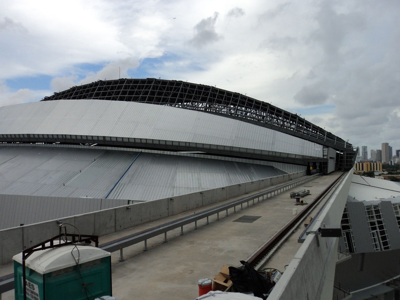 Florida Marlins Stadium roof construction