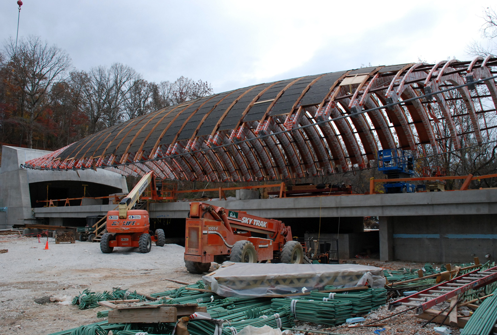 Roof construction of the Moshe Safdie Crystal Bridges Museum of American Art