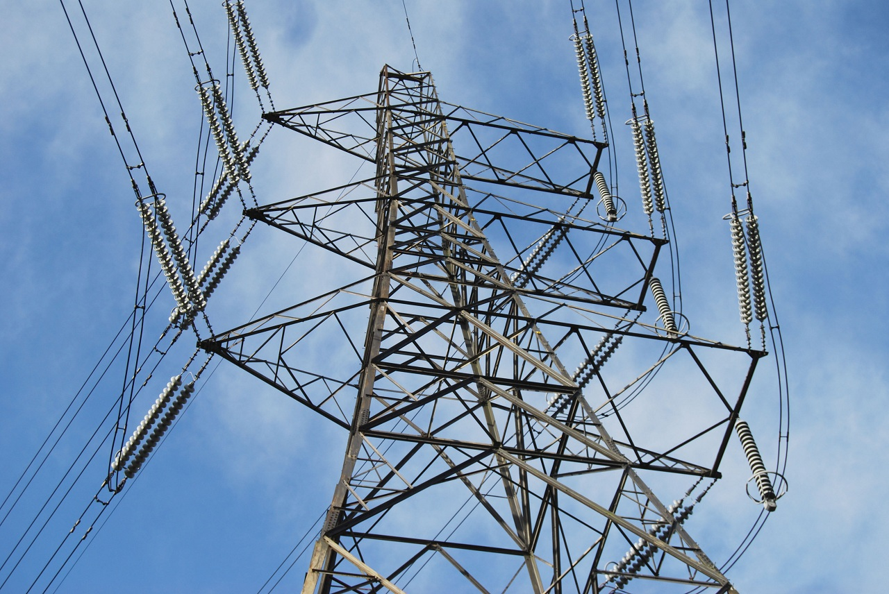 High Voltage Transmission Lines : Watts it matter to you electricity transmission buildipedia