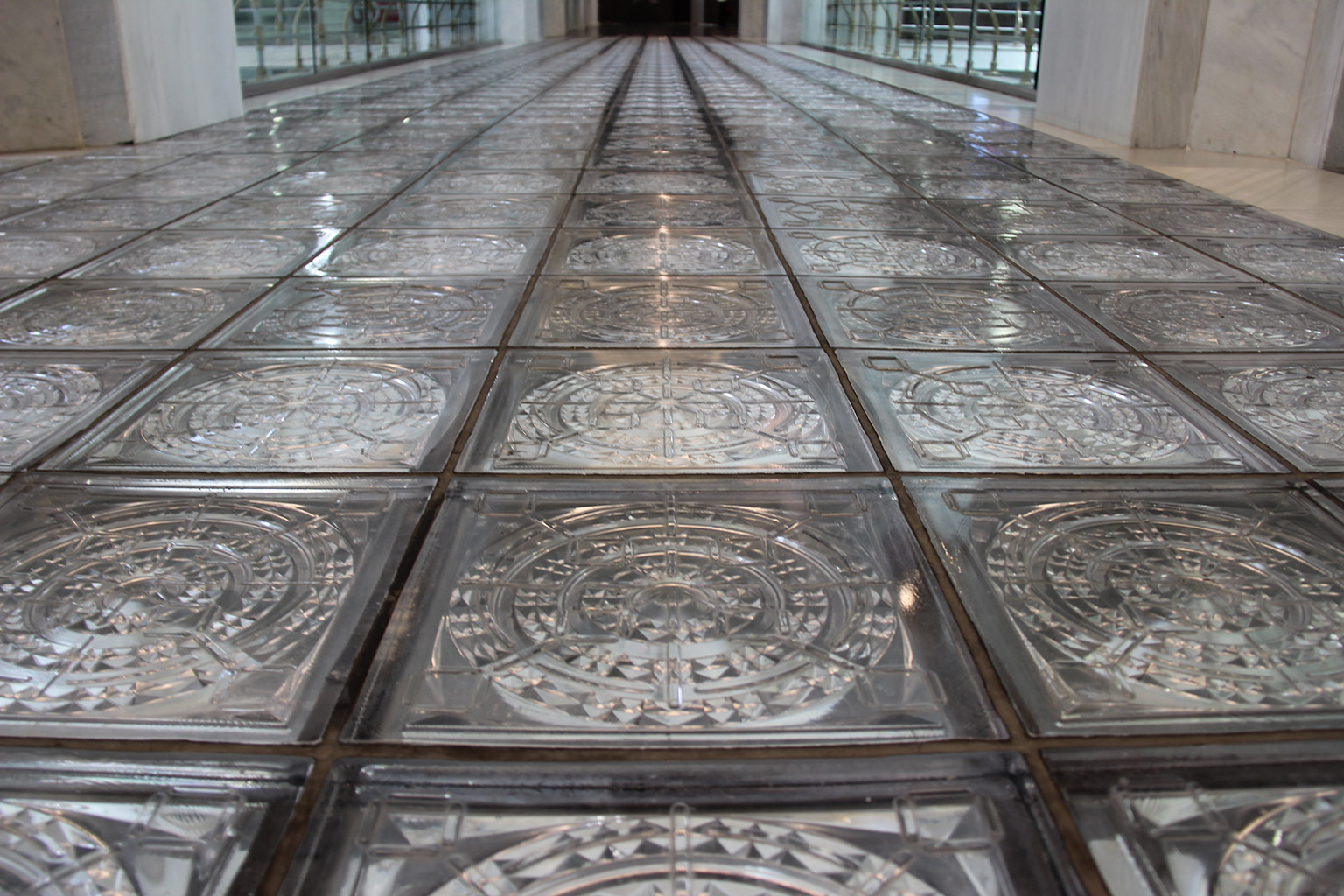 Centro Centro Glass Floor