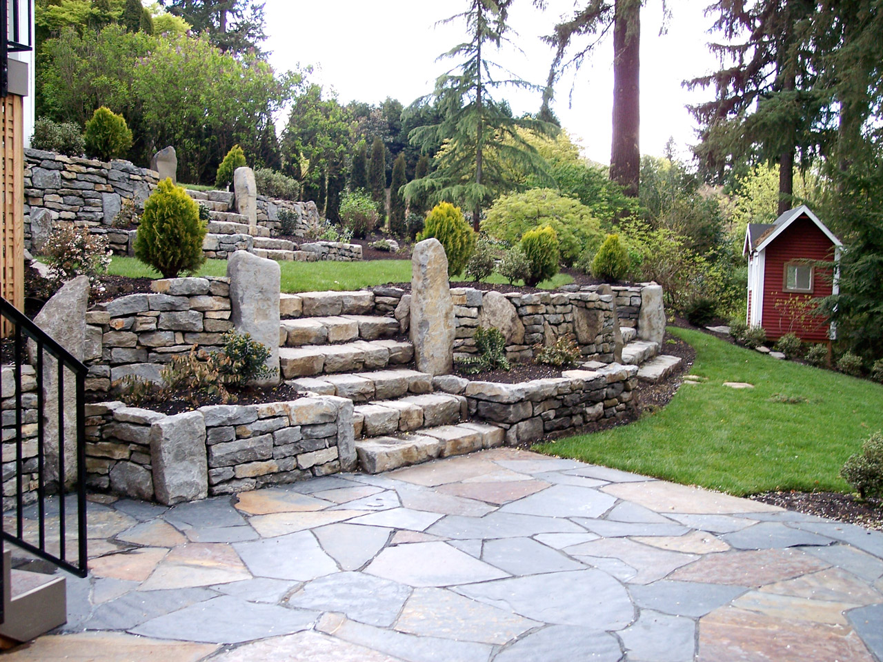 Landscape and design tips for challenging lots buildipedia for Garden and design