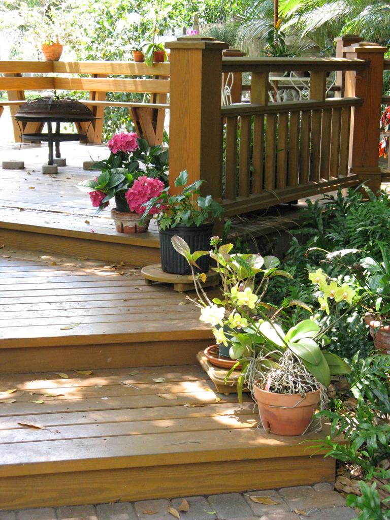 Wood Patio Decking - Buildipedia