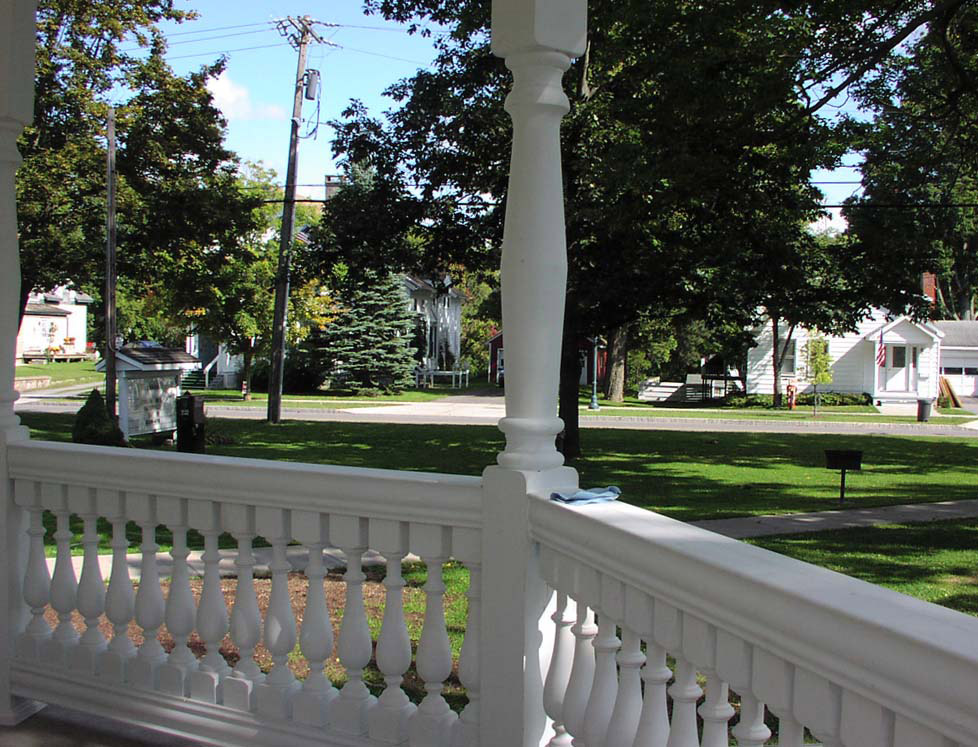 Waterville memorial bandstand buildipedia for Fypon railing