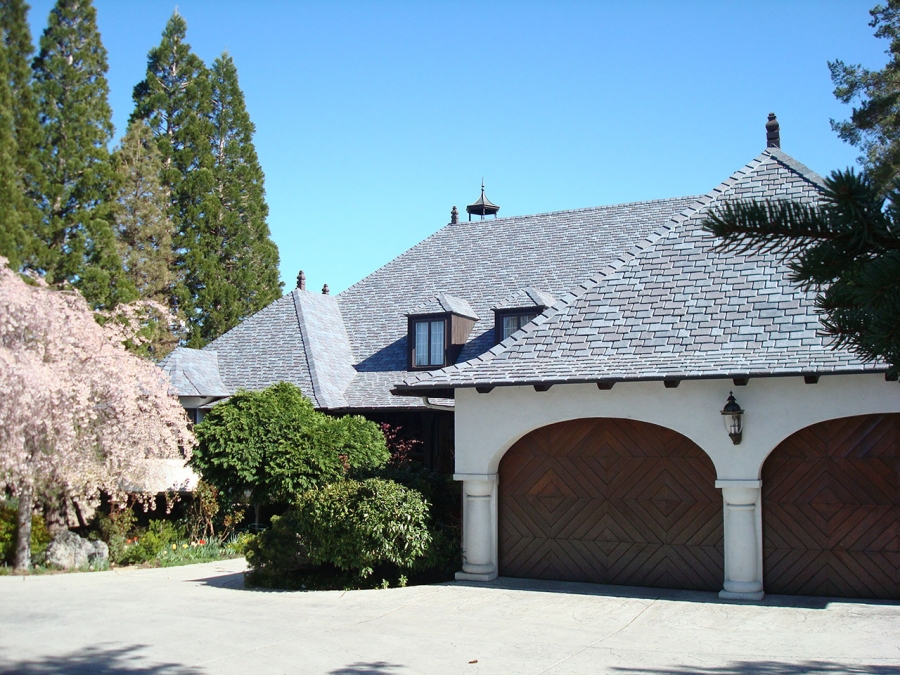 Polymer slate roof eases homeowner concerns buildipedia for Polymer roofing