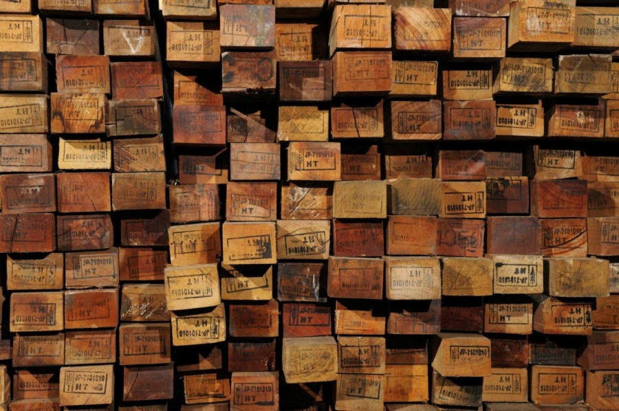 Understanding Reclaimed Wood: How the Salvaging Process Works