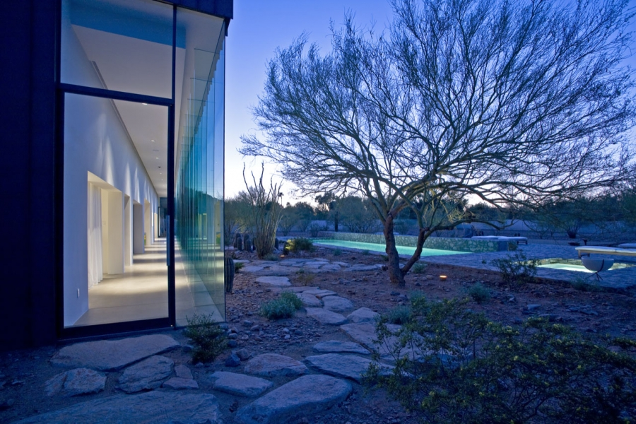 House of the Month: A Crystal in the Desert by Circle West Architects