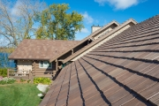Tuscano color blend of Bellaforté Shake roofing tiles.