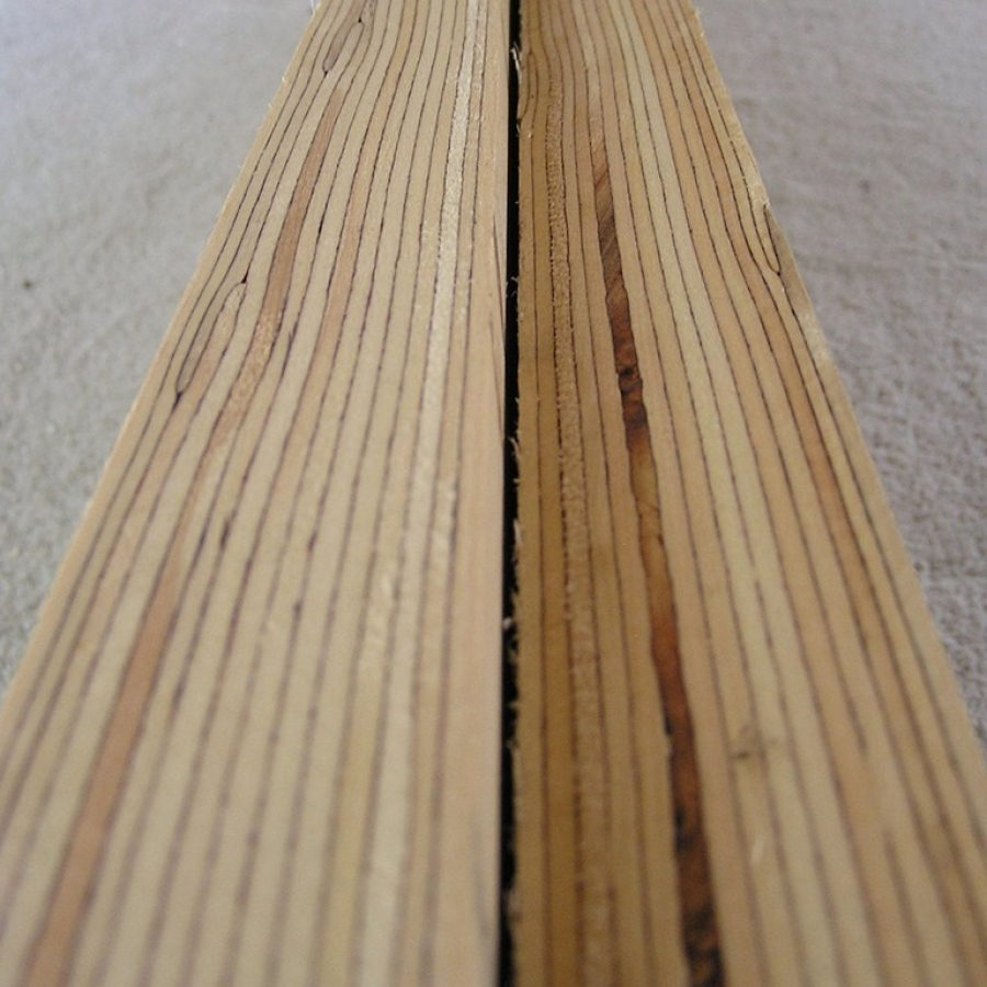 Laminated veneer lumber buildipedia for Laminated wood