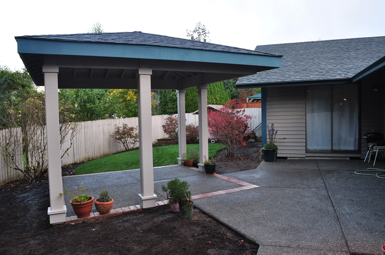 Gorgeous Covered Structures To Complement Your Green Landscape Design Credit East West
